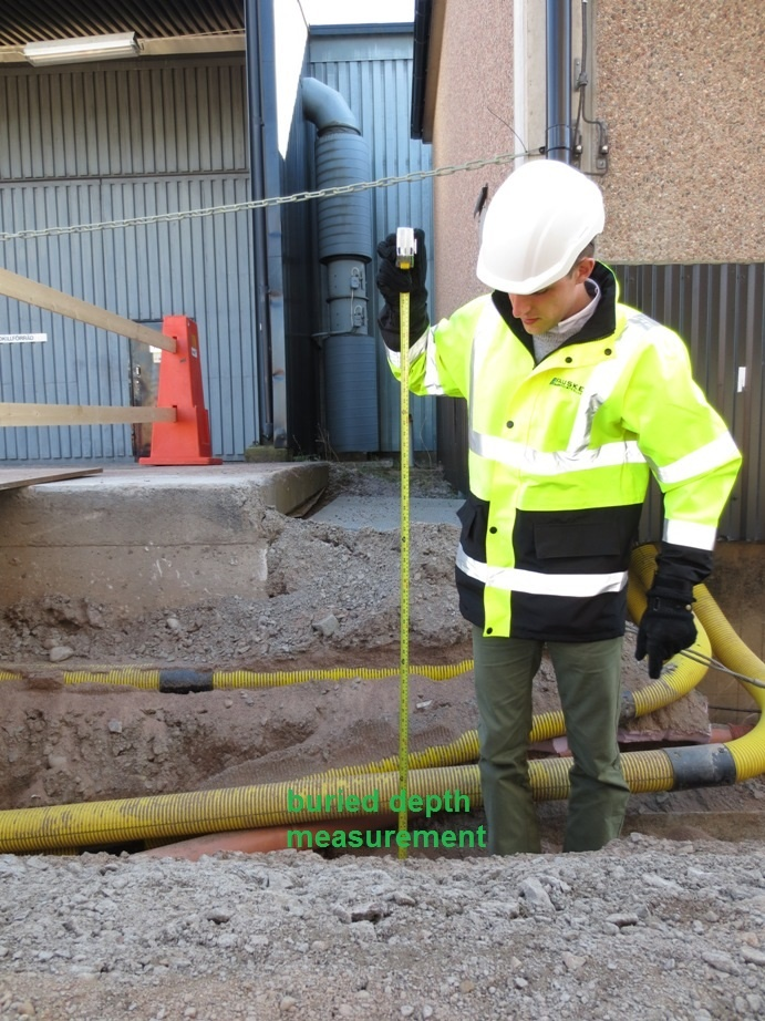 Buried cable depth measurement